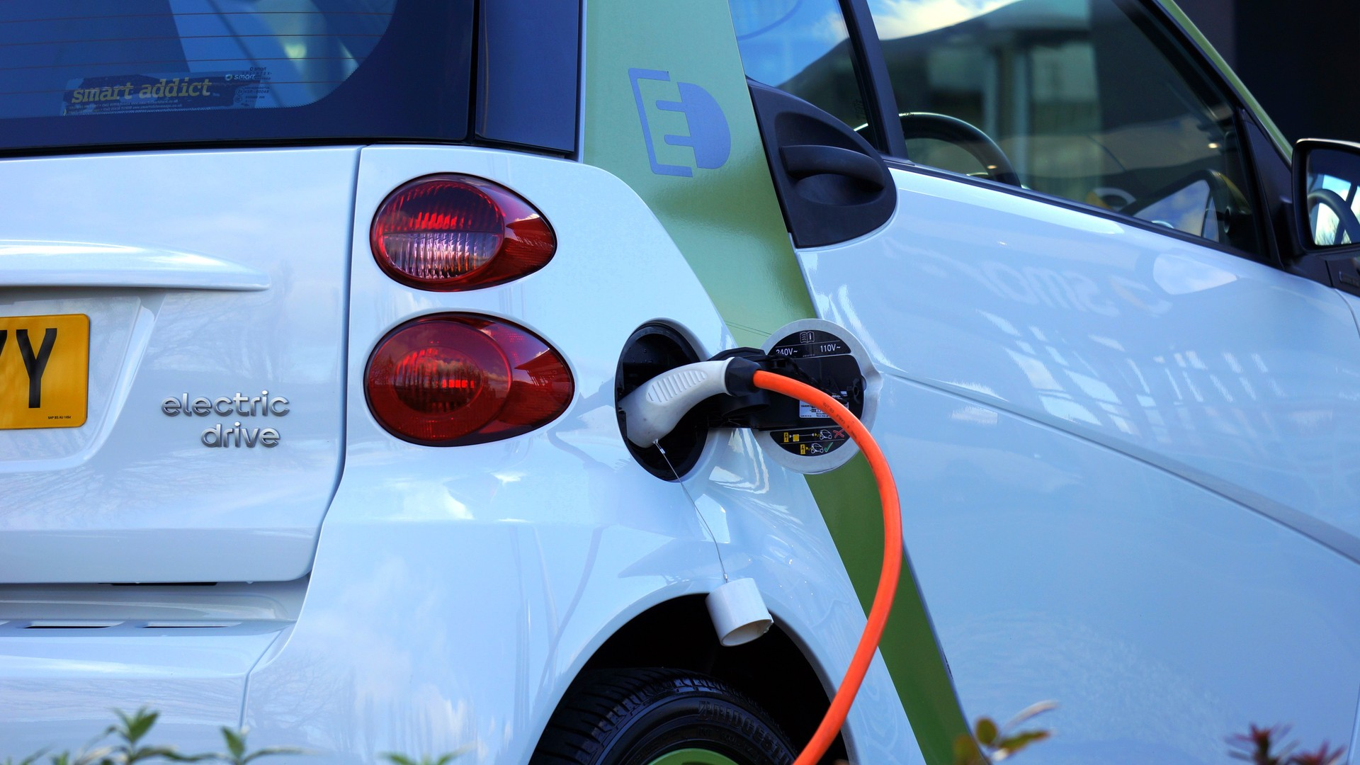 Lancering Groepsaankoop Voor Elektrische Wagens In Vlaanderen Emis